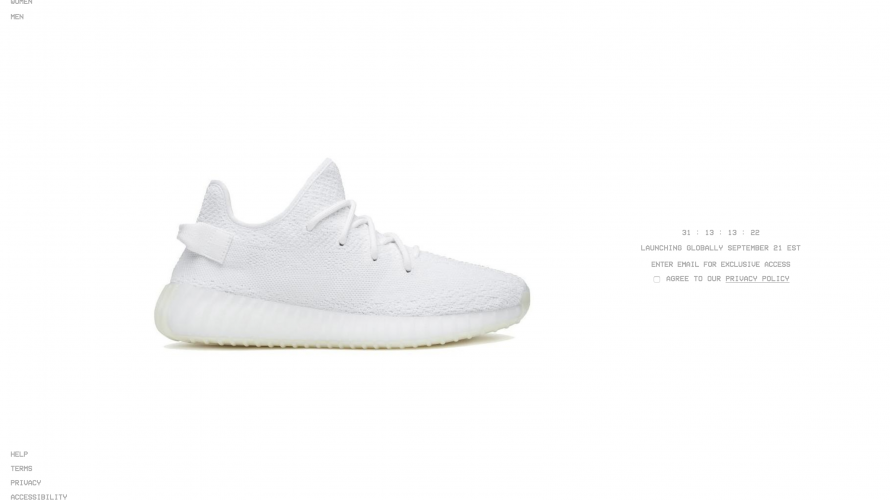 YEEZY BOOST 350 V2 TRIPLE WHITE が1月26日に再販決定